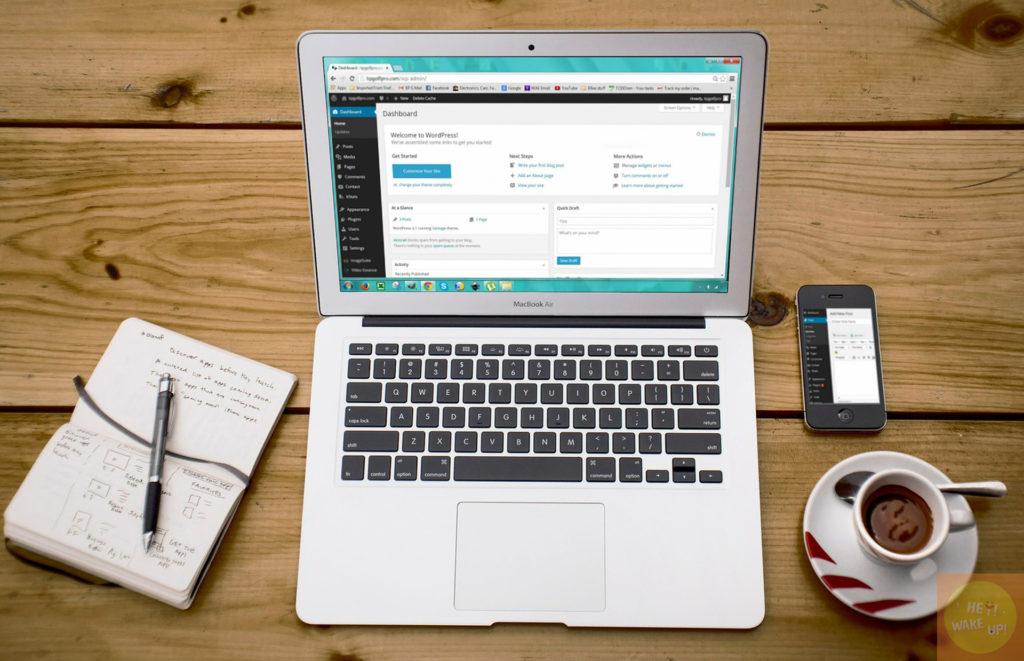 筆電、wordpress、智慧型手機、筆記、咖啡