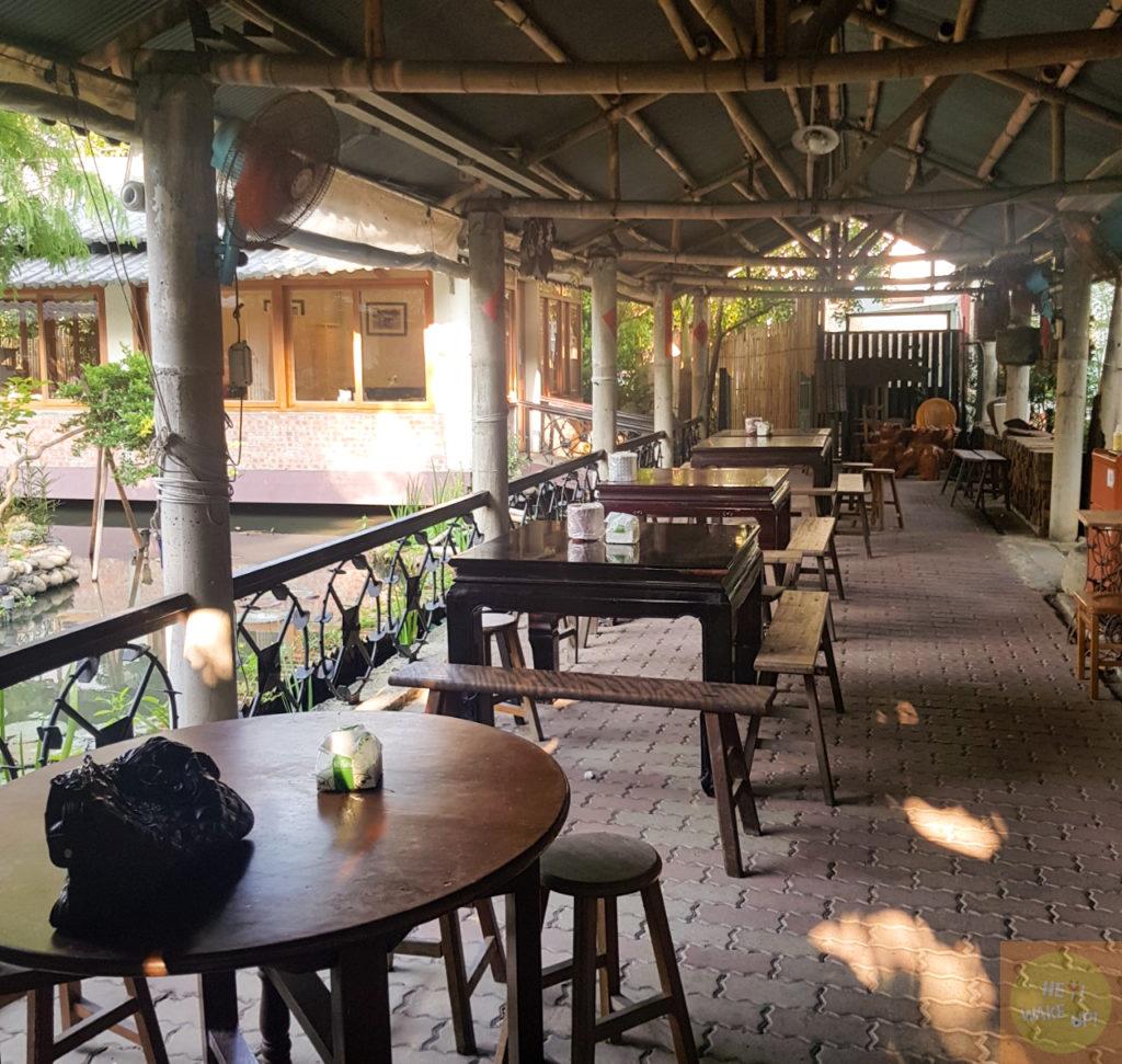 田寮農莊室外餐桌