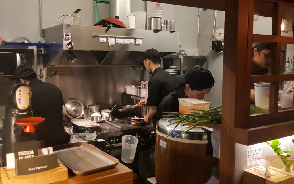 夜葉食堂廚房