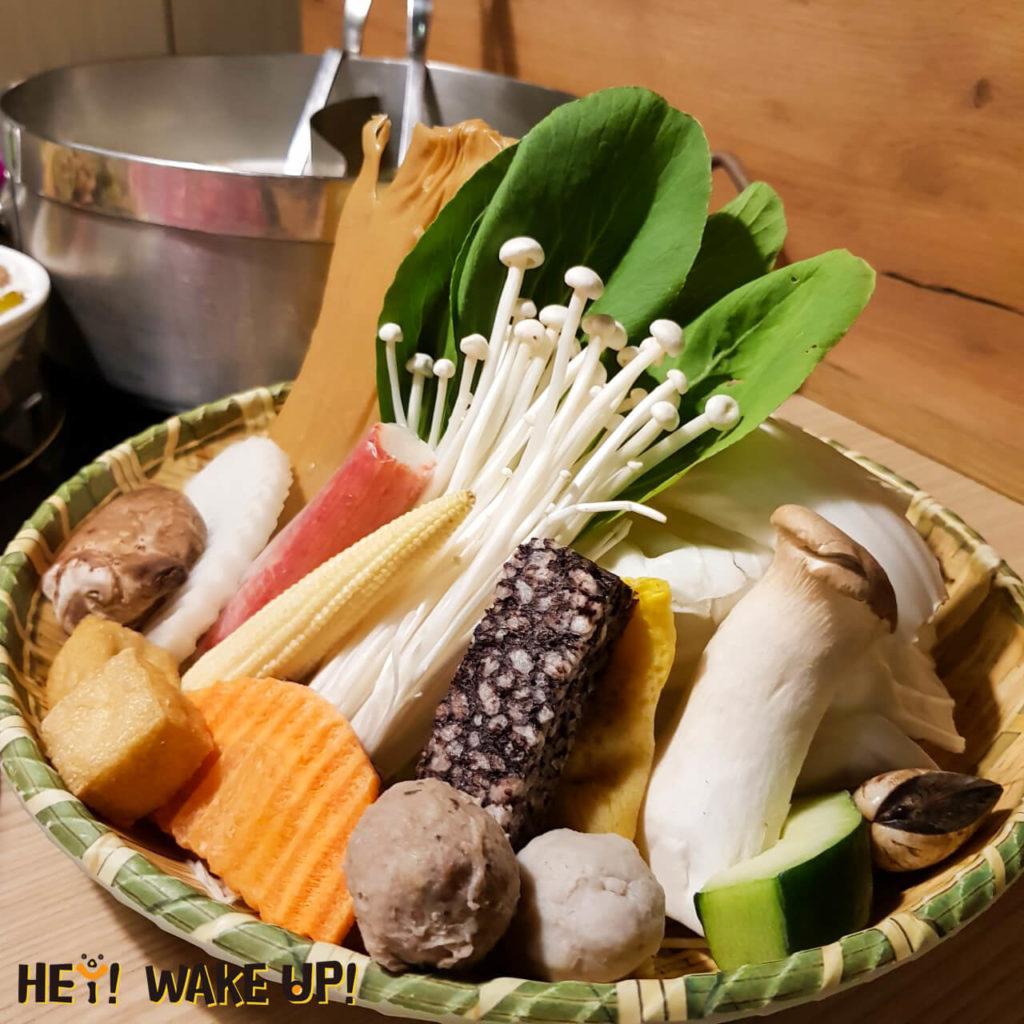 鍋泰山菜盤