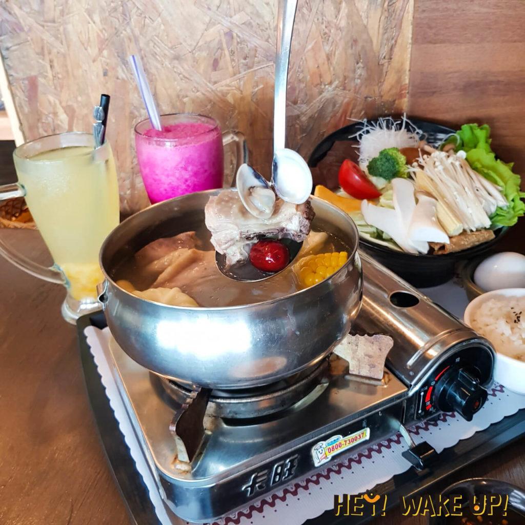 蛤蜊蒜頭雞鍋