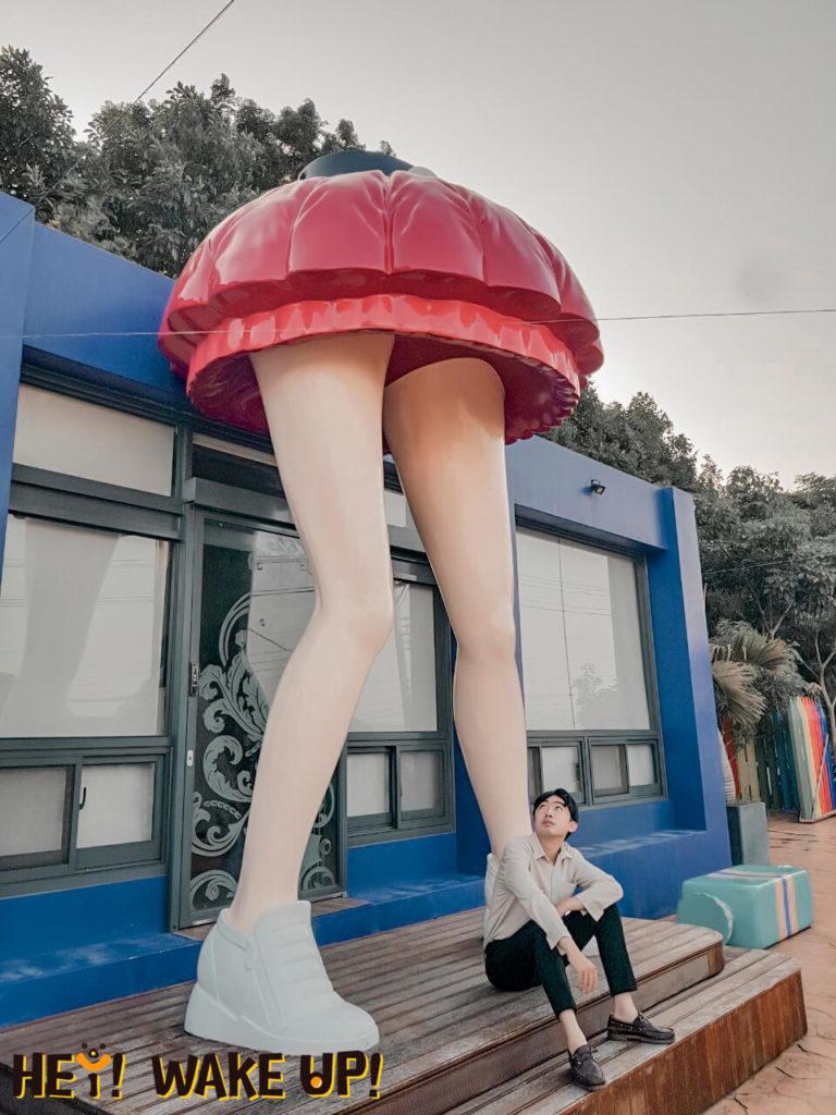 彩虹山舍-紅裙長腿