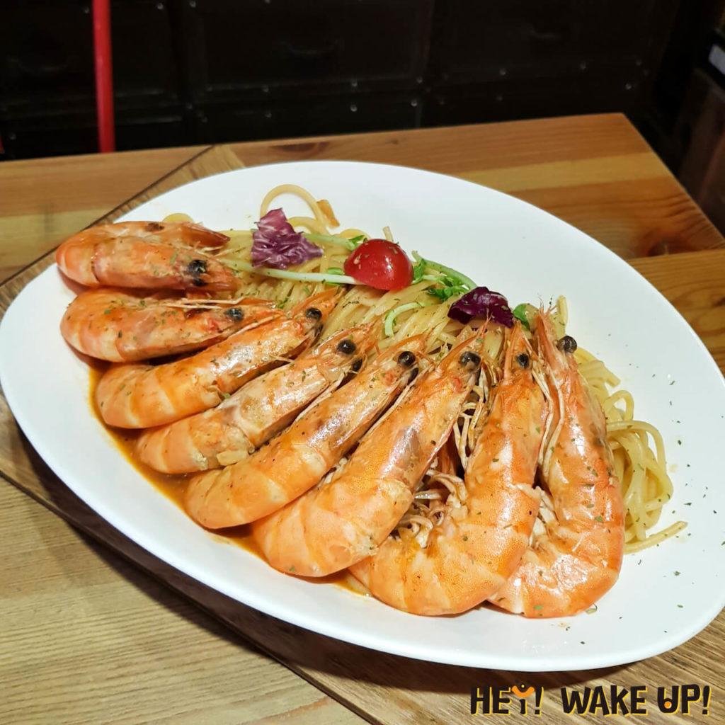 手作蝦醬很多蝦義大利麵